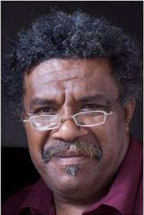 Luc Énoka CAMOUI – Poète,essayiste